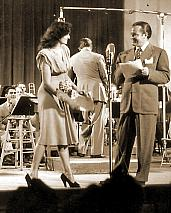 Bob Hope broadcasting w/Jane Russell